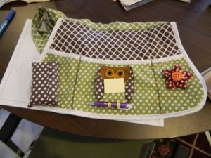 Cute apron and post it note owl by Heidi LaFountaine